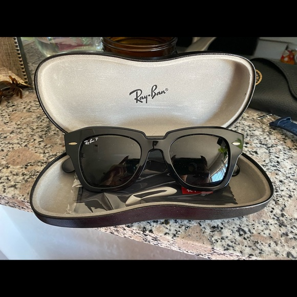 *SOLD* Brand new POLARIZED RayBans- style is state street